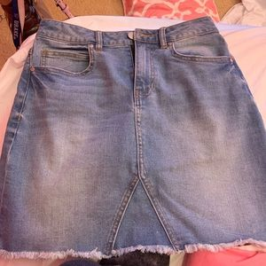 NWOT LIGHT DENIM SKIRT